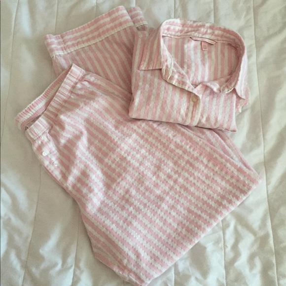 453ed4aabc Victoria s Secret Pink   White Striped Pajamas. M 5a732a1431a3761c3b11f495